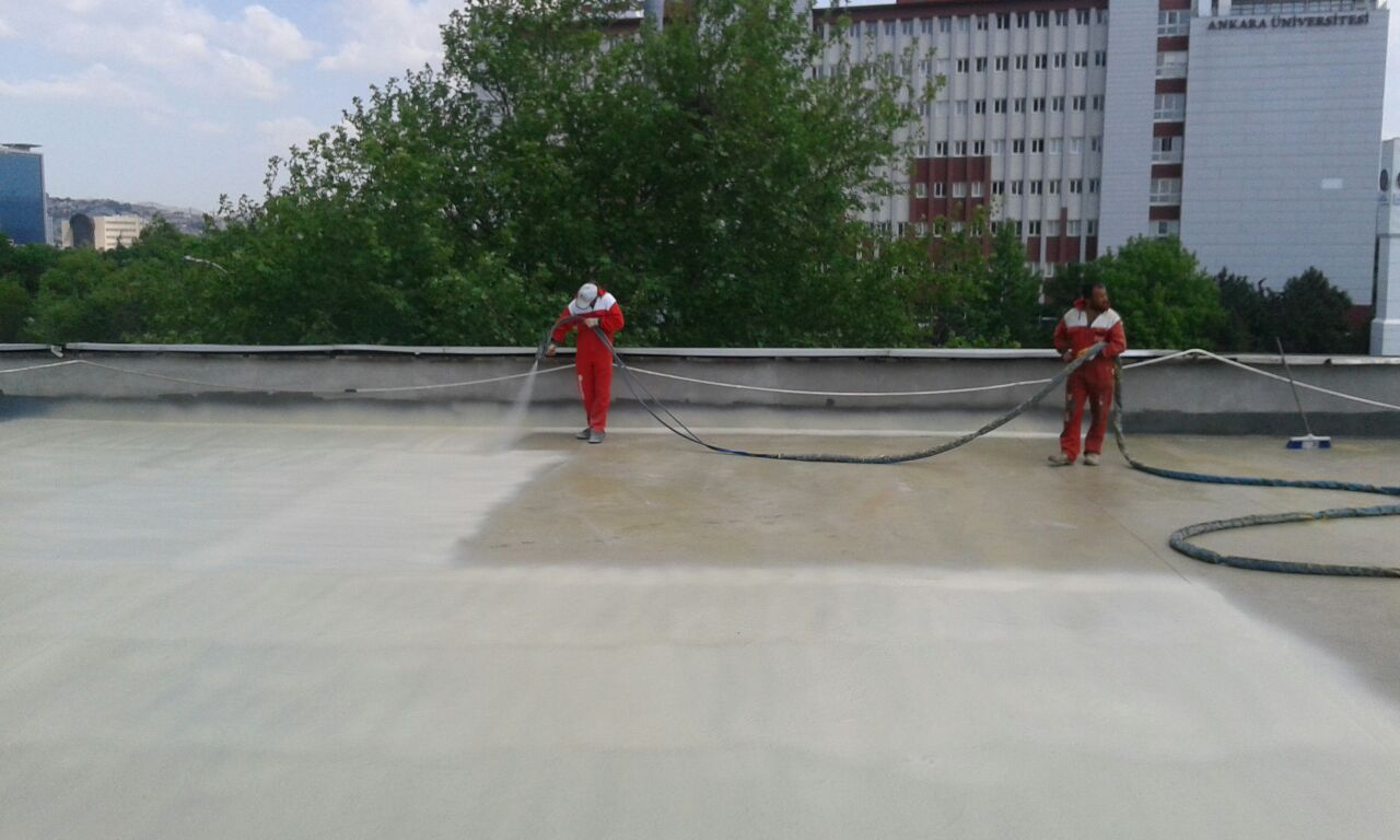 Kendi kendine yayılabilen beton kaplaması olarakpolyurea su yalıtımı