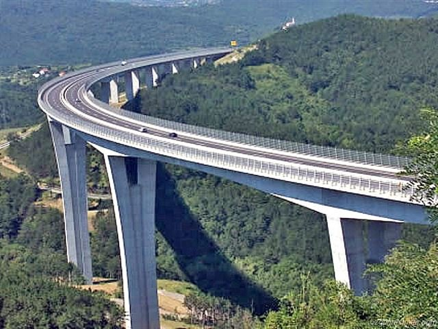 Köprü, yol ve tünel inşaatlarının izolasyonunda Polyurea su yalıtımı