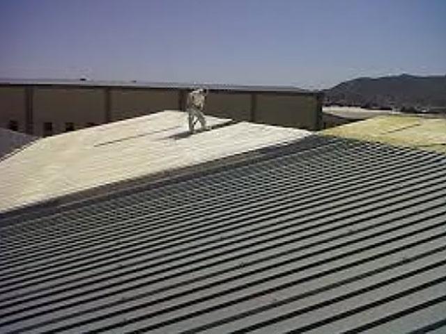 Poliüretan köpük trapez saç çatı yalıtımı